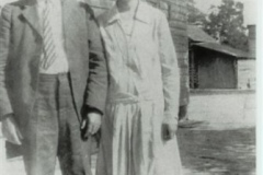 Johnnie R and Evelyn Tayloe